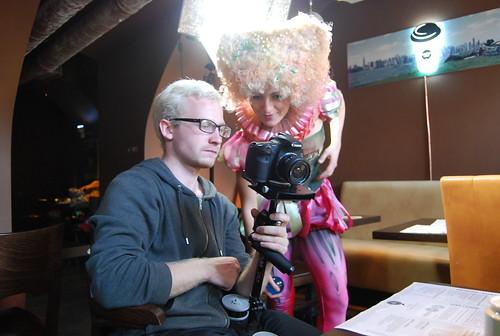 DSLR Flycam, Canon 60D, Led video light на съемке ролика о