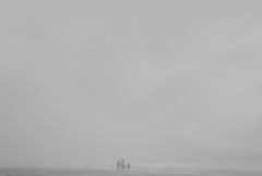 desde que me cans de buscar he aprendido a hallar (quino para los amigos) Tags: family storm beach familia fog playa tormenta nublado costaatlntica sanclementedeltuy dsc09842