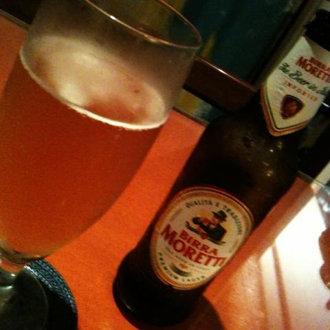 モレッティ。イタリアのビールは初めて。