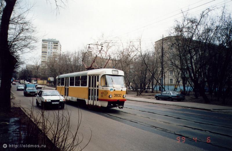 Далее трамвай следовал по