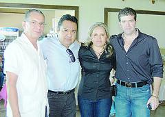 OK 4794 José Luis B. Garza, Luis Alonso Vázquez, Martha Isabel y Heriberto Deándar Robinson.