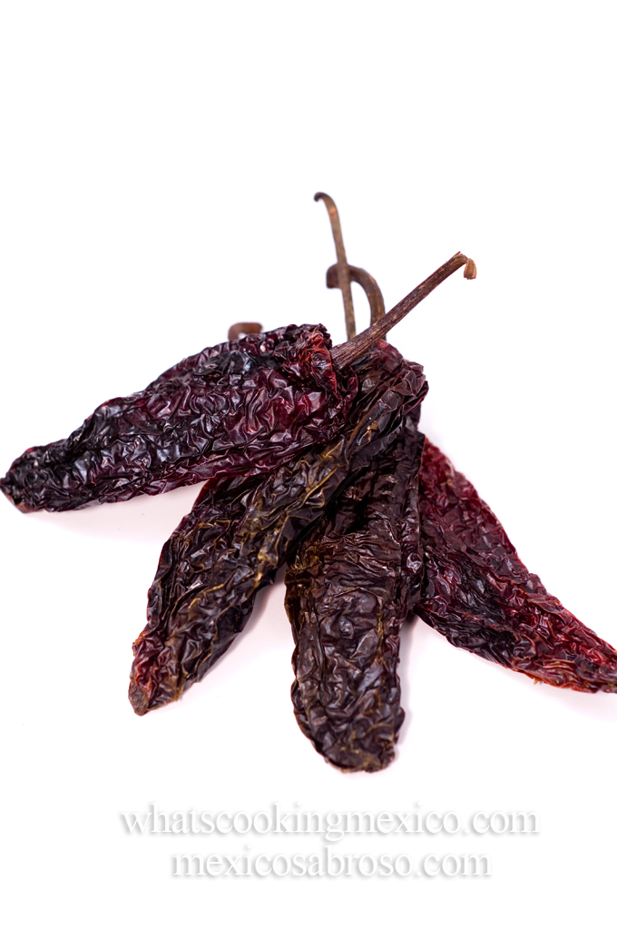 Smoked pasilla chile