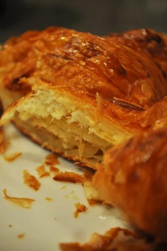 croissant sliced
