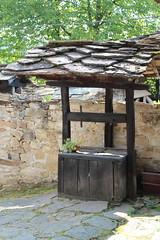 LE PUIT (bernadetteetroussi) Tags: village bulgaria maison balkan bulgarie    bojentsi