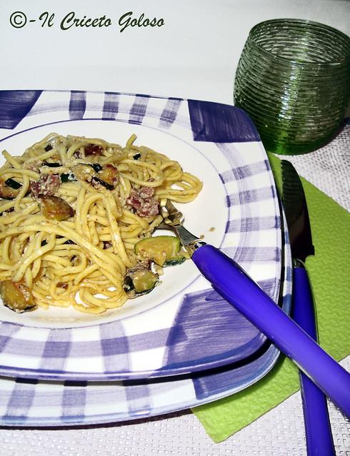 Taiarin con zucchine speck pesto mandorle e olive 2