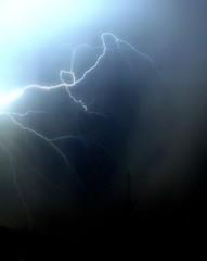 Relámpago (carlosolmedillas) Tags: sky storm night clouds noche ray cielo nubes tormenta nocturna rayo relámpago lightstorm eléctrica