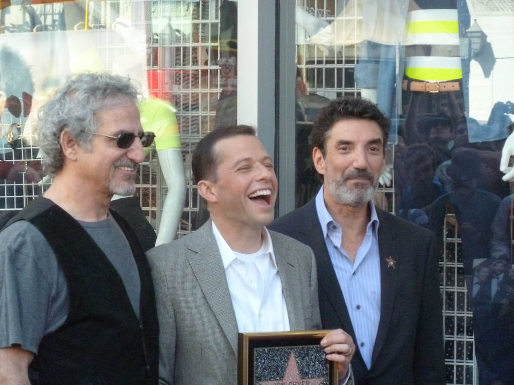 """Jon Cryer enjoys a laugh with his """"Two and a Half Men"""" Executive Producer Lee Aronsohn and series Creator Chuck Lorre"""