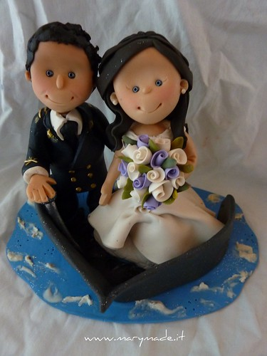 Cake topper con sposo in uniforme da ufficiale di marina, una creazione marymade.it di Mary Tempesta, su Flickr
