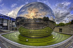 Geode 3D (iPh4n70M) Tags: blue sunset sky sun 3 paris france reflection colors metal clouds de la soleil photo 3d nikon colours cit des fisheye bleu reflet ciel sphere photowalk nikkor bp nuages dimension 16mm geode et hdr sciences parisian boule vilette bassin balade lindustrie parisienne parisien gode sphre 9xp d700 9raw