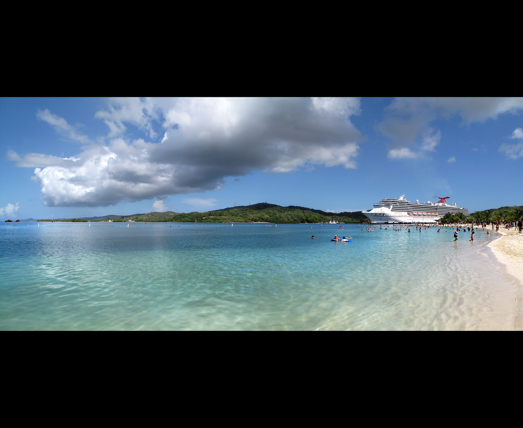 Beach Treasure Island Roatan