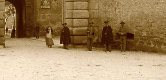 Puerta de Bisagra en 1913. Fotografía de Luis Calandre Ibáñez