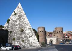 Rome Pyramid (San Diego Shooter) Tags: italy rome roma europe pyramid romeitaly nathanruperteurope2011 pyramidinrome romepyramid