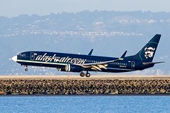 "Alaska Airlines Boeing 737-890 ""Alaskaair.com"" N548AS (pointnshoot) Tags: boeing737 n548as canonef400mmf4doisusm"