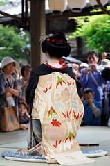 (Tamayura) Tags: japan hair nikon kyoto parade sep kansai comb d3 2011 kushimatsuri yasuikonpiragu 2470mmf28g 201109261342501