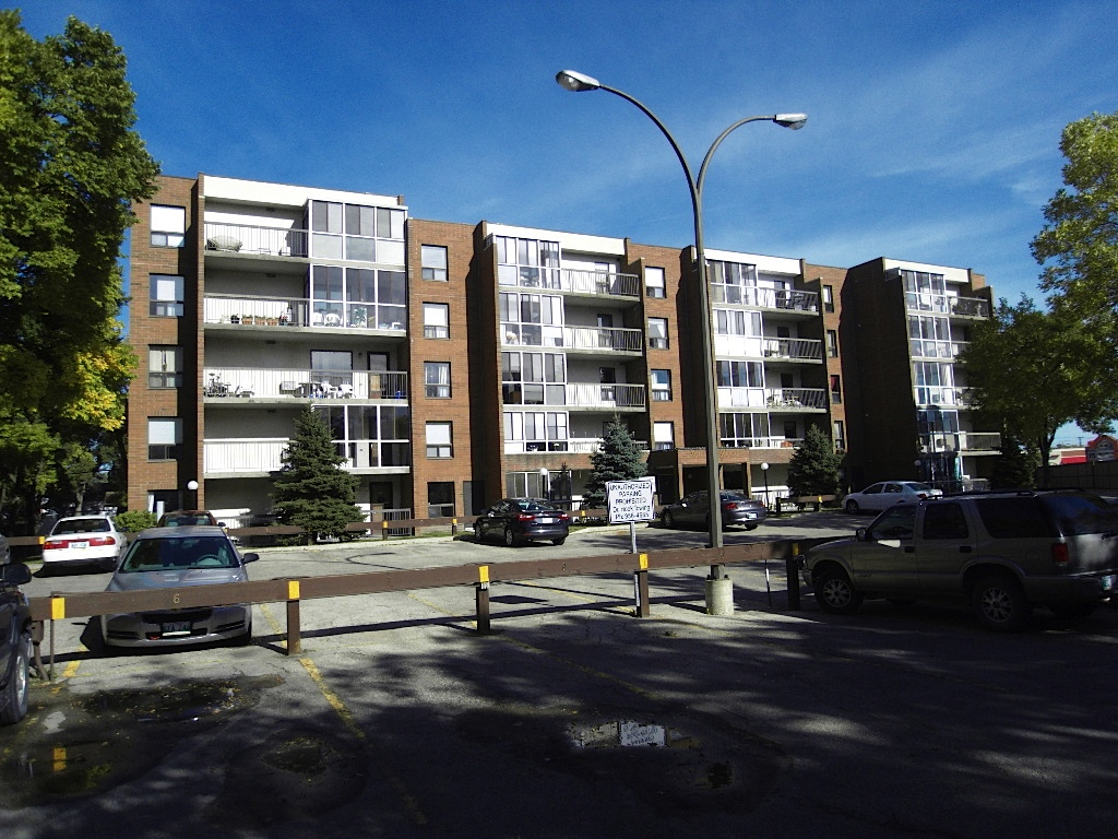 9 Arden Avenue Suite#202 - Condo FOR SALW at WillowWood in St. Vital, Winnipeg