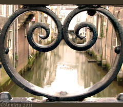 Hart van Dordrecht ( Annieta  Off / On) Tags: city holland dutch canon fence photography fotografie nederland thenetherlands powershot september dordrecht s2is ville stad allrightsreserved hek zuidholland 2011 olddutch oudhollands annieta visbrug theunforgettablepictures usingthisphotowithoutpermissionisillegal mygearandme mygearandmepremium mygearandmebronze mygearandmesilver mygearandmegold