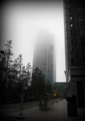 Day 270/365 (ClareEliza) Tags: mist niceshot 365 canarywharf 2011inphotos
