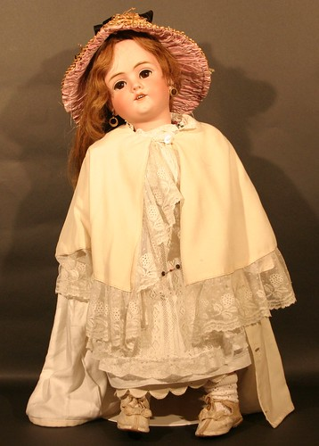 A  Walkure bisque doll, which sold for £500