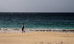 Beachcomber (cormend) Tags: ocean sun tourism beach hat america canon walking puerto island eos sand waves puertorico beth walk playa tourist rico culebra american caribbean beachcomber playaflamenco 50d cormend c2011