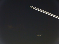 Fly me to the moon (Nico Coirini) Tags: sky moon night plane noche luna rosario cielos aviones hx1 sonyhx1
