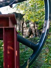 Bachus (web.werkraum) Tags: urban oktober berlin germany deutschland europa skulptur figure sandstein figur association feiertag 2011 gegenber gegensatz erntezeit bruchstck dasdasein bildfindung berlinerknstlerin tagesnotiz webwerkraum karinsakrowski