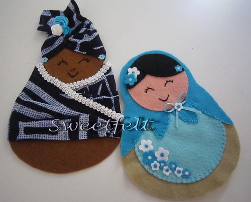 ♥♥♥  De volta ao trabalho... mais 2 meninas em azul :)) by sweetfelt \ ideias em feltro