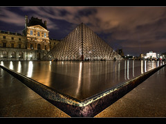 Le Louvre et ses triangles (Julien Fromentin - Photographe) Tags: sony paris louvre bassin octobre october fromus fromus75 muse pyramide alpha850 parisien light lightroom city capitale france architecture reflets musee lelouvre minolta french francais minolta2875 2875 morning sunset poselongue trepied dark black postproduction traitements effets effects highdynamicrange photomatix photoshop cs towns historique posturacolocacin monumento historia citt architettura lungaposa storia        a850 alpha dslra850 sal 20mm f28 flickr reflections bleu sunrise flickraward