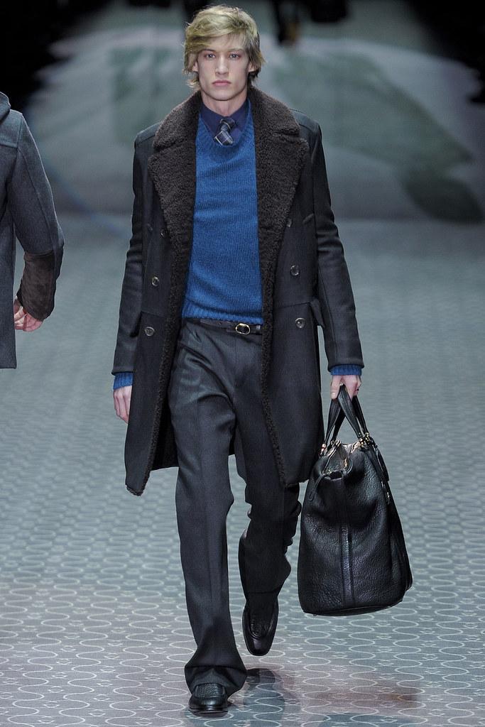 Henrry Evans3001_FW11 Milan Gucci(VOGUEcom)