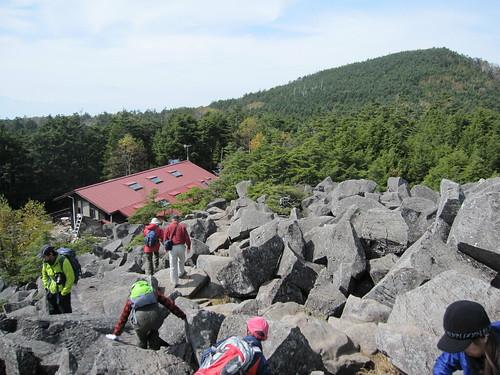 高見石から見た高見石小屋 2011年10月11日1059 by Poran111