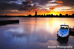 (joyoyo) Tags: city longexposure bw black reflection river nikon taiwan tokina 124 card pro taipei af  technique 1224mm f4 tamsui dx atx   d90  neutraldensityfilter nd64 t124 tokinaatx124afprodx1224mmf4  nd106 joyoyo  tokinat124 bwnd106 bwnd64