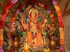 Ganesh Idol in Matunga - 2011 (Rahul_shah) Tags: ganesh mumbai raja ganapati mandal ganpati chowpatty parel 2011 matunga lalbaug ganeshotsav ganeshchaturthi ganeshvisarjan ganeshutsav kingcircle gajanan chowpaty ganraj