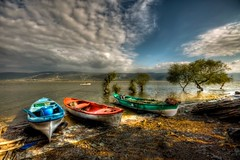 Colours of Uluabat Lake (Nejdet Duzen) Tags: trip travel cloud lake reflection turkey boat trkiye sandal bursa bulut gl yansma turkei seyahat uluabatla