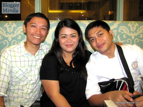 Certified Foodies Mhel and Ken with Jonel of Blogger Manila