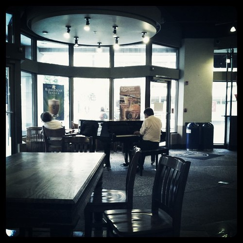 Coffee shop with live piano. Win.