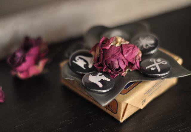 dried roses-l'occitane soap-guest bathroom