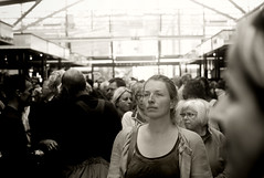 Good times for a change (Hoff ) Tags: city people bw crowd crowdy