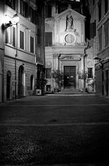 Roma all'alba - Via dei Giubbonari - Kodak T-Max 400@800 in T-Max - 067 - 031 (joeanty) Tags: film f100 nikonf100 filmcamera tmax400 kodaktmax400 kodaktmax tmaxdeveloper epsonperfection4490photo epsonperfectionphoto4490 filmdev:recipe=7975