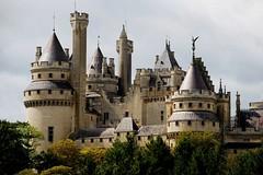 Château de Pierrefonds Picardie FRANCE (Yvon Merlier) Tags: sea castles love landscape manor statelyhome soe palaces picardie cottages topshots platinumphoto nikond300 flickrsportal