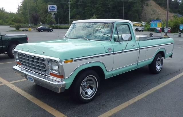 classic ford vintage ranger pickup pickuptruck f150 chrome lariat 1970s 1979 fomoco 4x2 dailydriver