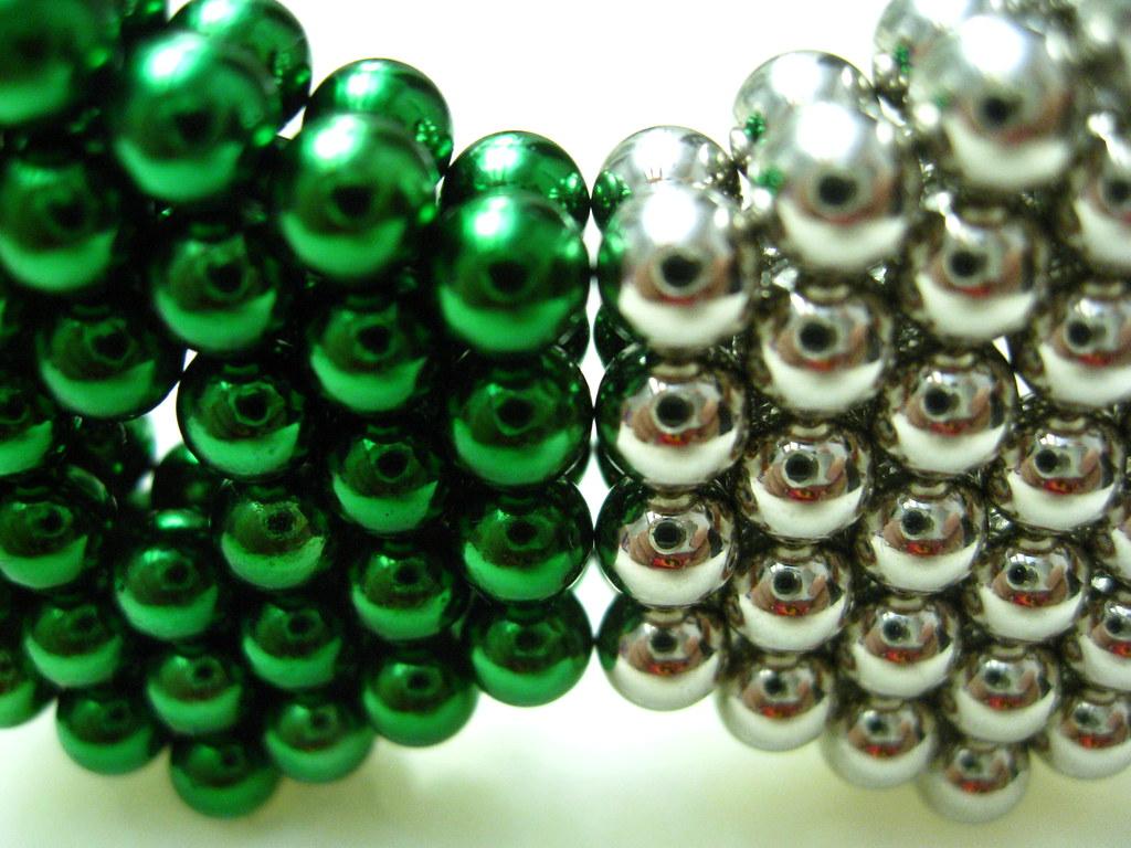 IMG 8830 - Neoball Green vs Zen Magnets
