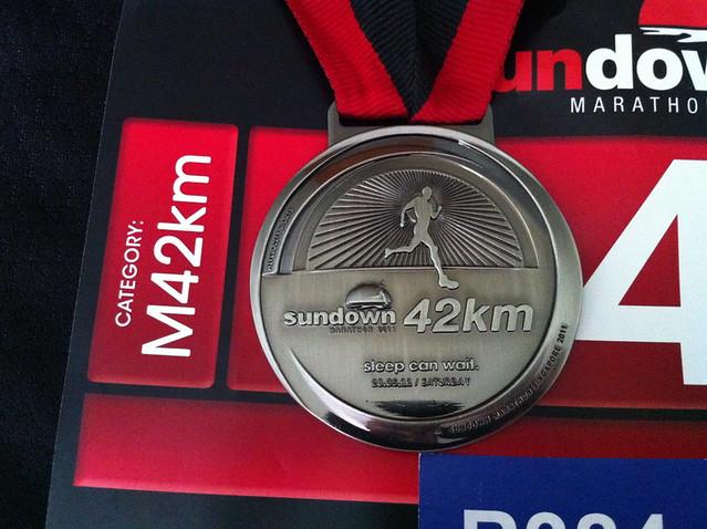 Medal, Front