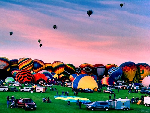 Balloon Fiesta by bichonphoto