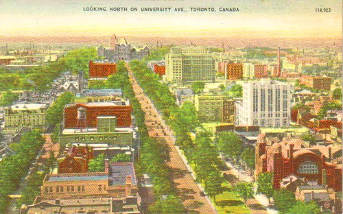 POSTCARD - TORONTO - UNIVERSITY AVE - AERIAL - LOOKING NORTH - NOTE OLD TEMPLE ON LOWER RIGHT AND TREES ON BOTH SIDES - c1940s