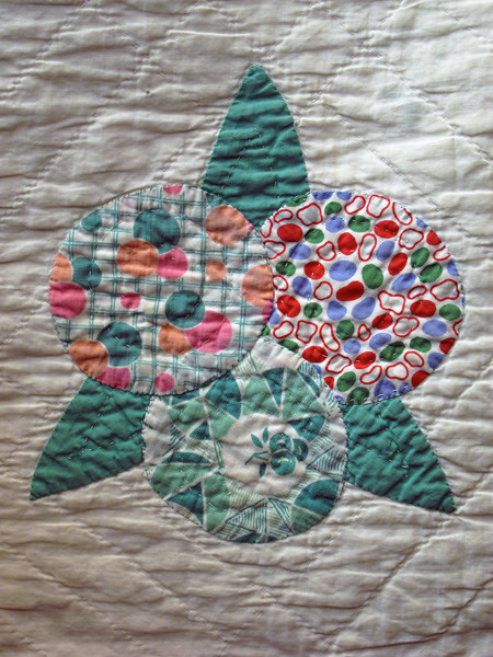 Vintage Circle Flower Applique