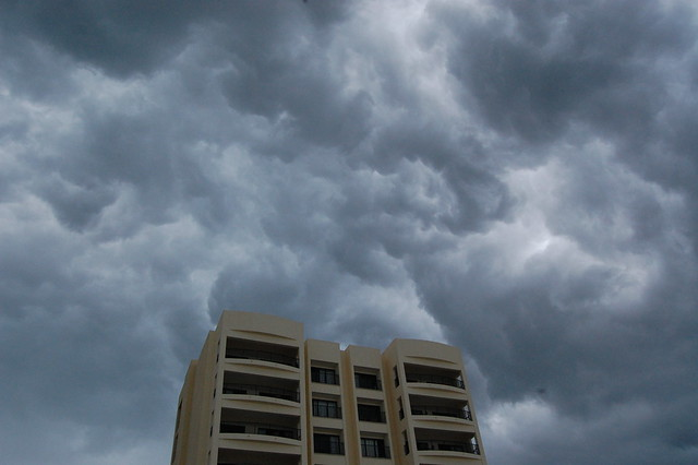 cancun_storm_building