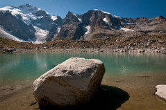 Little Mountainlake @ Isla Persa (PhiiiiiiiL) Tags: panorama mountain ice water see nikon wasser hiking glacier gletscher mountainlake bergsee eis stein isla engadin wanderung persa d300 morteratsch graubnden grisons morteratschgletscher engiadina