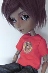 ...sar. (~hana) Tags: red brown doll king ak tshirt seal mohair another approval baltasar mugatu pedobear taeyang