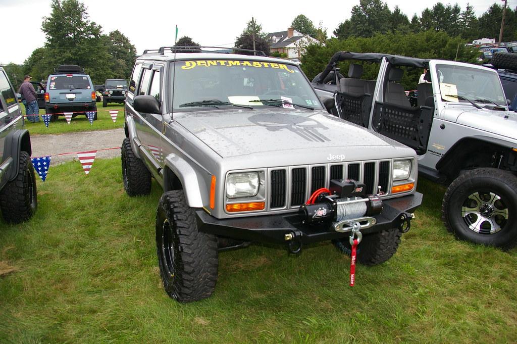 Jeep Cherokee- XJ (geepstir) Tags: jeep decal windshield 2011  jeepexperience jeffdanielsjeepshow
