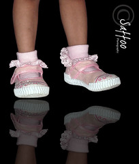 (Saffo0o) Tags: pink foot shoes