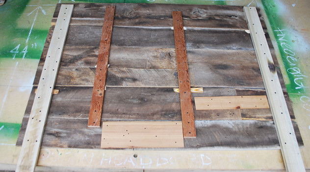 DIY: Barnwood Headboard